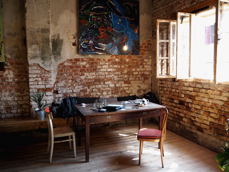 SPOTTED BY @soffamag | #soffa #soffamag #kavarnacohledajmeno #cafe #coffeehouse #Prague #bricks #industrial #urban #street #minimalism #minimalistic #design #interior #wood #handmade #DIY #art