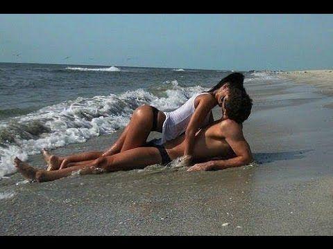 Sexy amrican girl nude licking panis