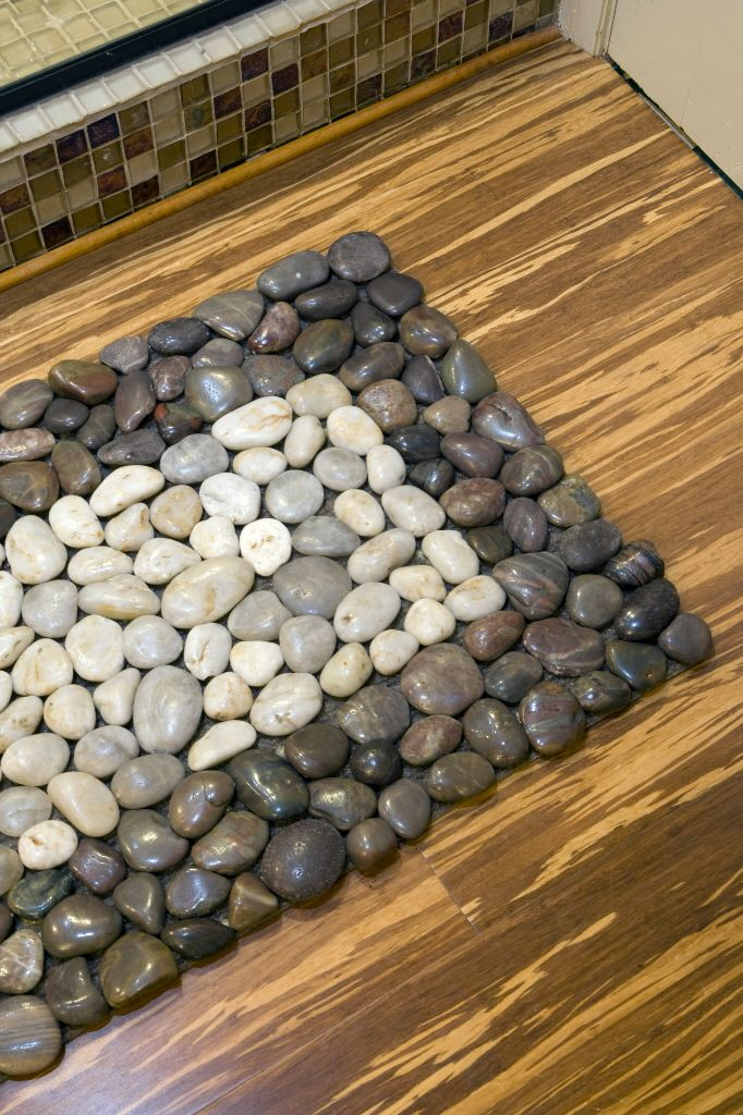 Pebbles Transform A Simple Doormat Diy Stone Floor Stone Rug