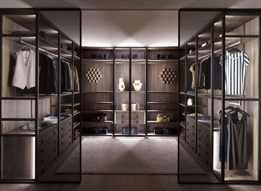 20 Incredible Small Walk In Closet Ideas Makeovers Walk In Closet Design Wardrobe Room Luxury Closet