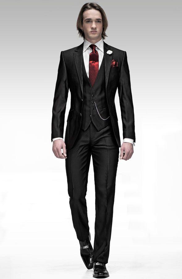 resultado de imagen para trajes negro con corbata roja y chaleco
