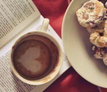 batom, bed, beijo, biscoito, book (Full Size)