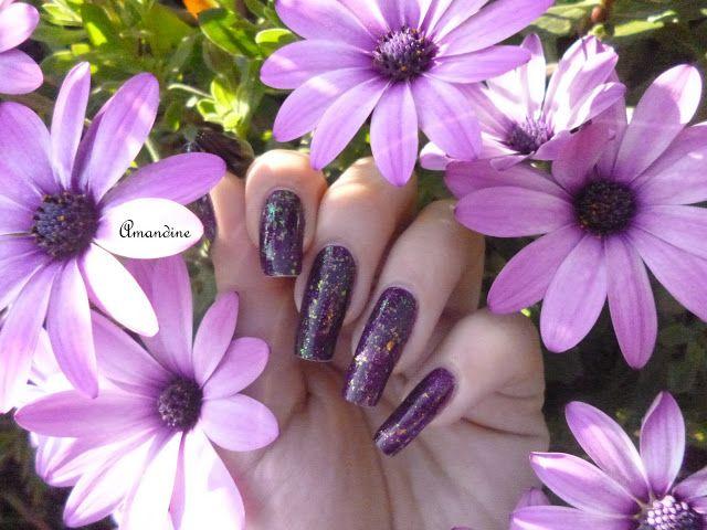 Amandine nail art kiko + seventeen flakies