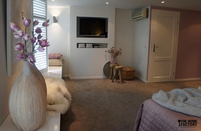 Kleedkamer In Slaapkamer : Van rommelzolder naar slaapkamer en badkamer thehomefactory