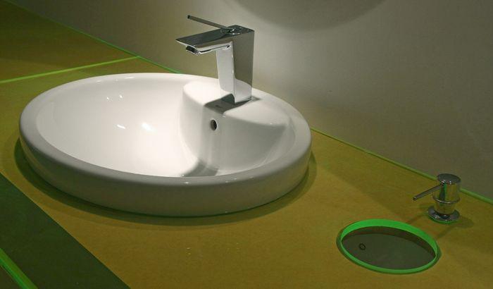 Baños Públicos: Espacio N°42 Casa FOA 2009 - ARQA