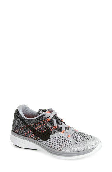 separation shoes c1a44 5e4fb Nike Free 4.0 Flyknit Sneaker - Urban Outfitters