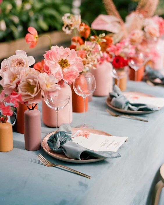 Wedding Chapel Decoration Ideas: Living Coral: Pantone Color Of The Year 2019 Wedding