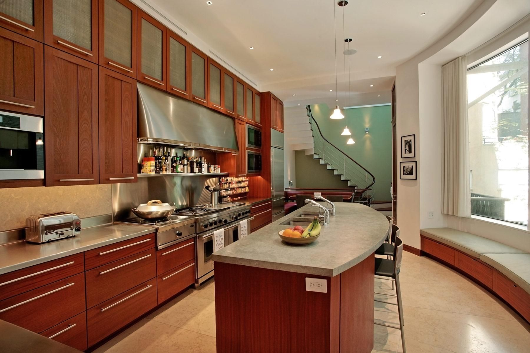 Luxury Collection 131 East 64th Street Upper East Side Manhattan This 6 Story 10 300sf Single Family Home I Upper Kitchen Cabinets Kitchen Cabinets Kitchen