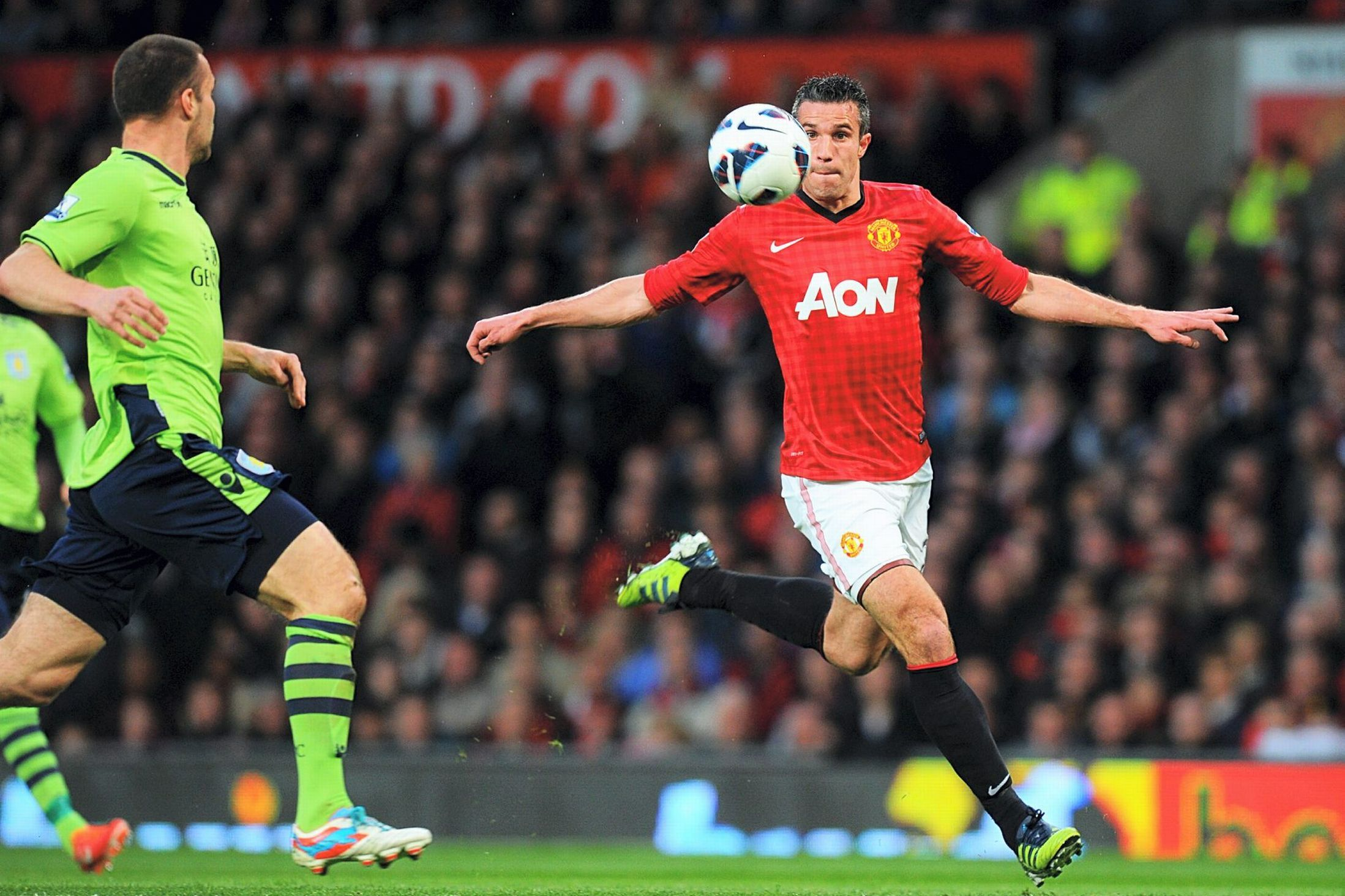 Fergie Players Have Joined United Greats Manchester United Aston Villa Robin Van Persie