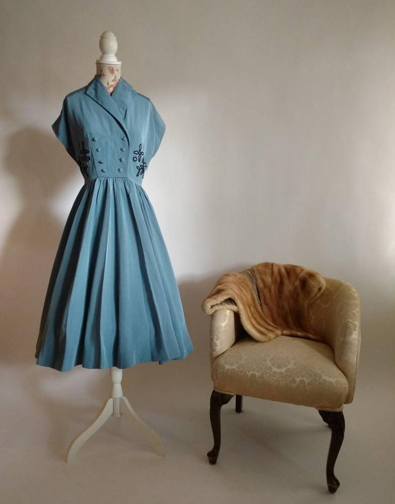 Vintage Late 40s 1940s Blue Fit And Flare Dress With Black Etsy Fit And Flare Dress Flare Dress 1940s Vintage Dresses [ 1014 x 794 Pixel ]