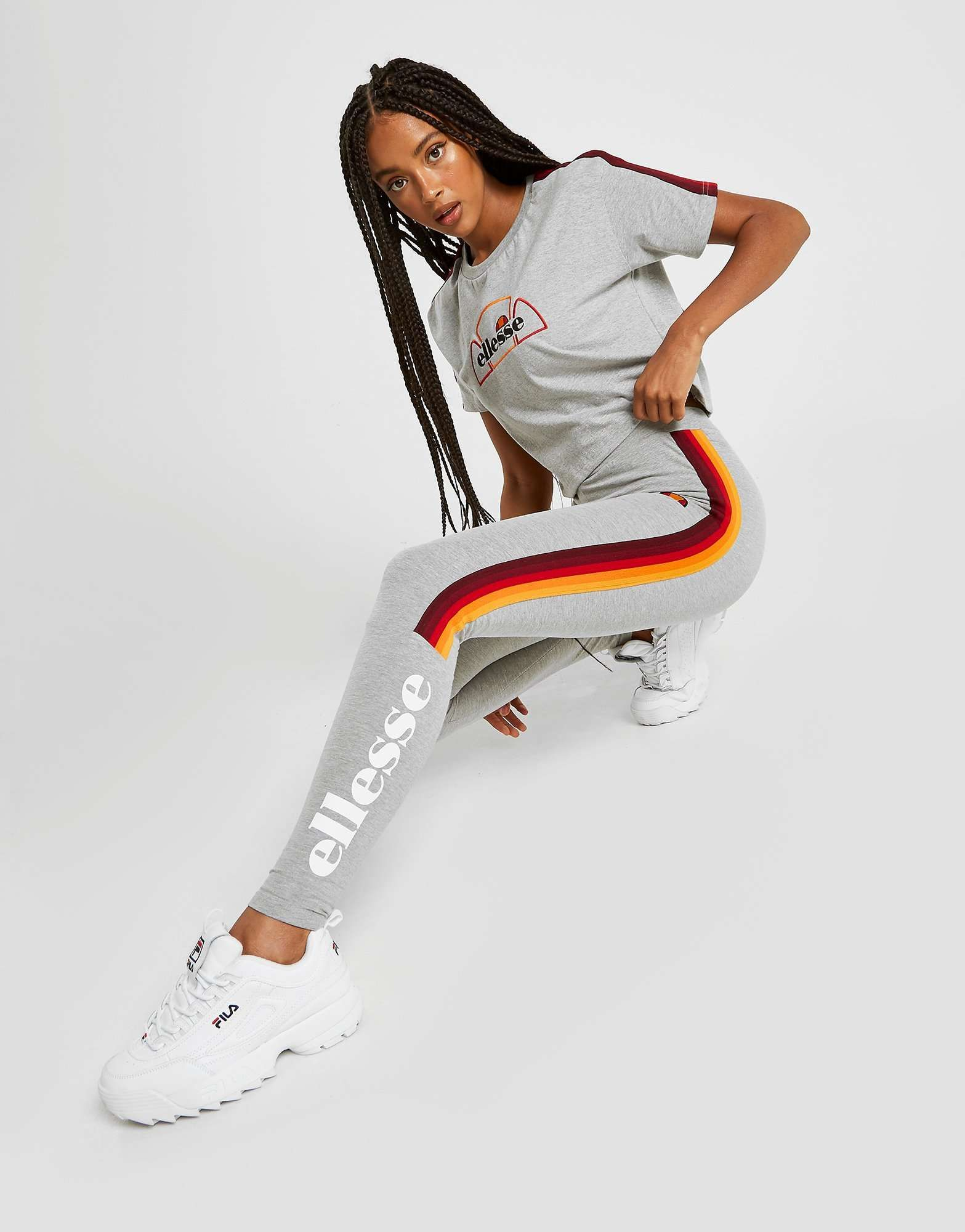 Pin by 🦋𝓻𝓸𝔁𝓲𝓮🦋 on ellesse♡ in 2020 Retail fashion