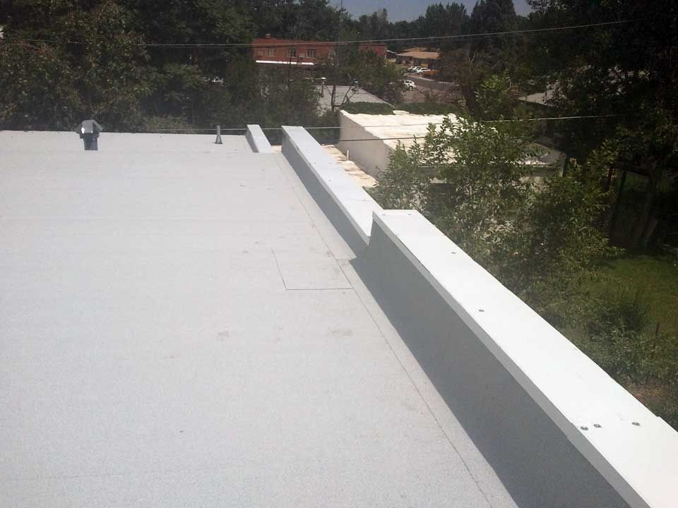 Flat Roof Repair Flatroof Roofing Specialists In Denver Wheat Ridge And The Front Roofing Specialists Flat Roof Repair Roofing