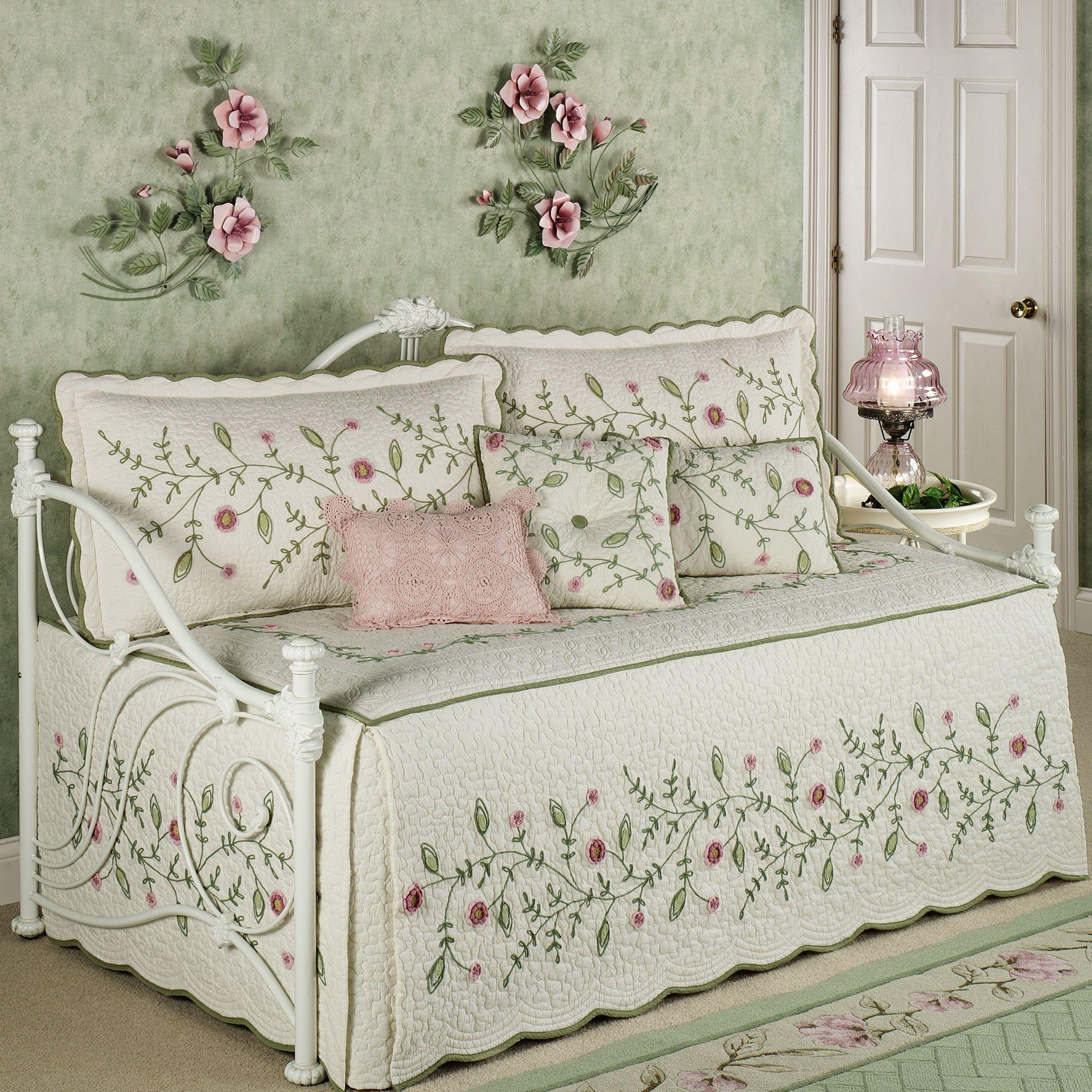 Amazing Posy Daybed Bedding Set