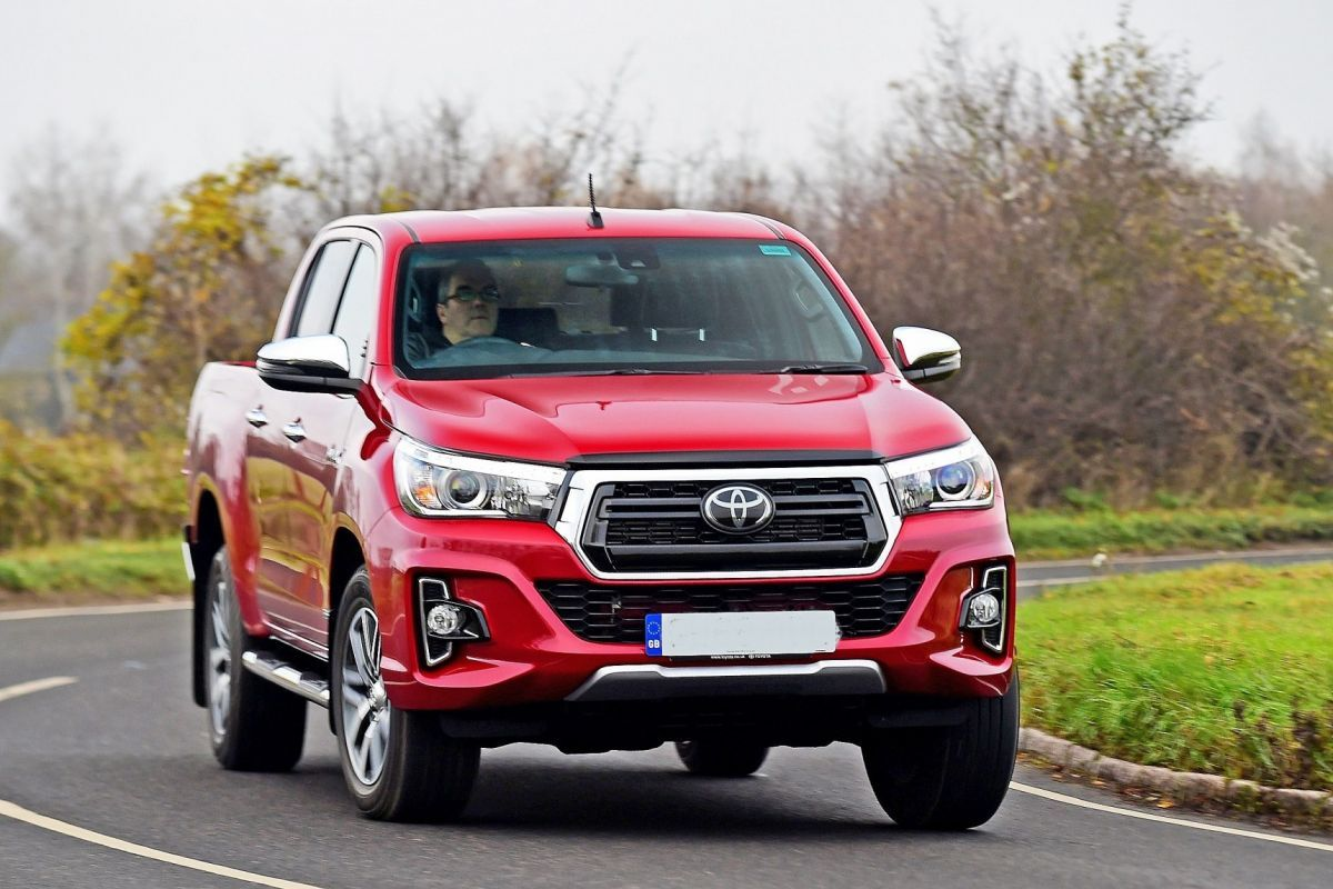 2016 Toyota Hilux Review Specs And Price Toyota Hilux Toyota New Trucks