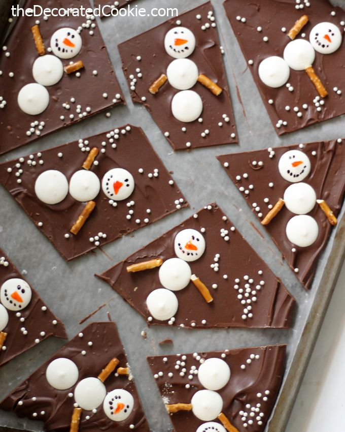 Snowman chocolate bark for a sweet Winter and Christmas treat.