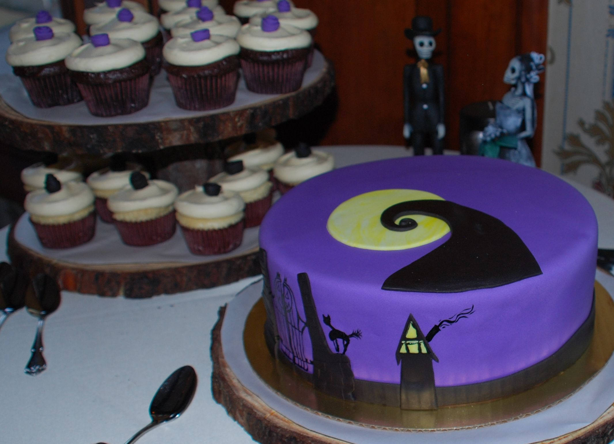 nightmare before christmas cake - Google Search | Halloween Treats ...