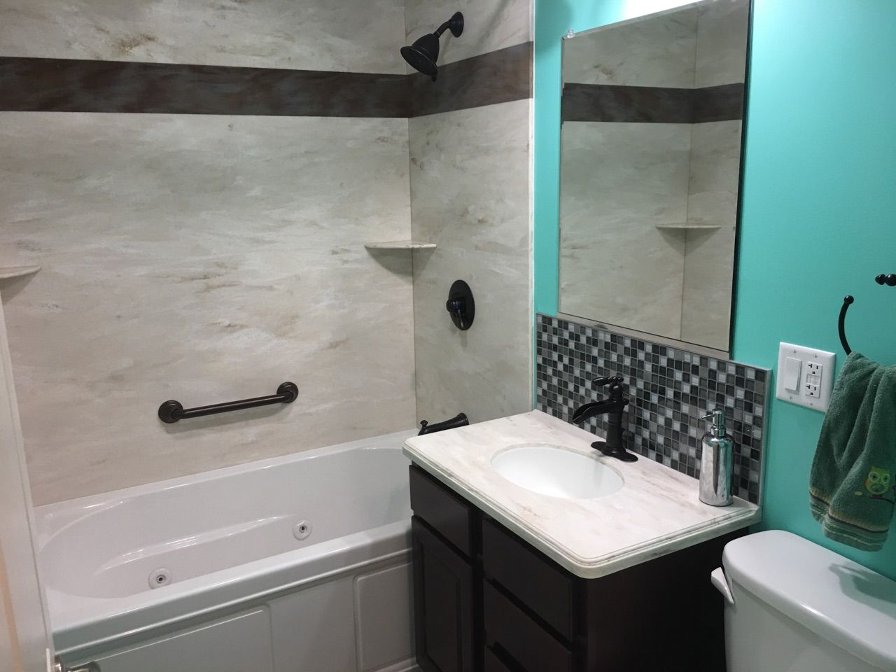 This Remodeled Bathroom Features A Kohler Bath With Water