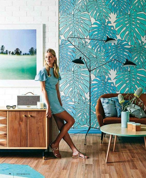 Wallpaper Ideas for the Living Room graphic palm print