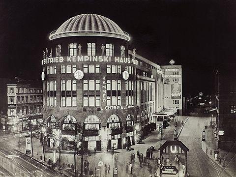 Haus vaterland am potsdamer platz 1928 berlin im licht for Architektur 20er