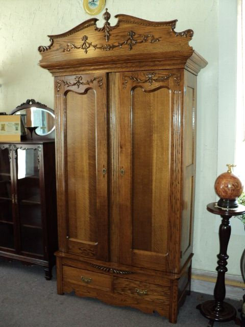 Oak Knock Down Wardrobe, circa 1899 to 1910