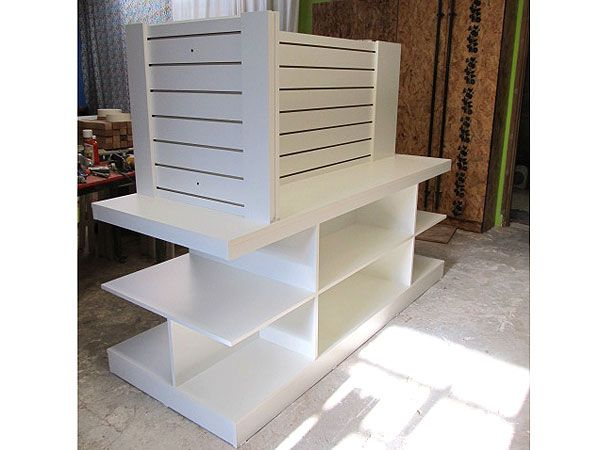 Exhibidores de ropa para locales fabricante mobiliario for Fabricante de muebles de madera