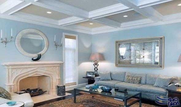 أخطاء شائعة نسقط فيها عند اختيار ألوان حوائط المنزل يعتبر اختيار لون طلاء جدران المنزل أمر ا مت Blue Walls Living Room Blue Sofas Living Room Blue Living Room