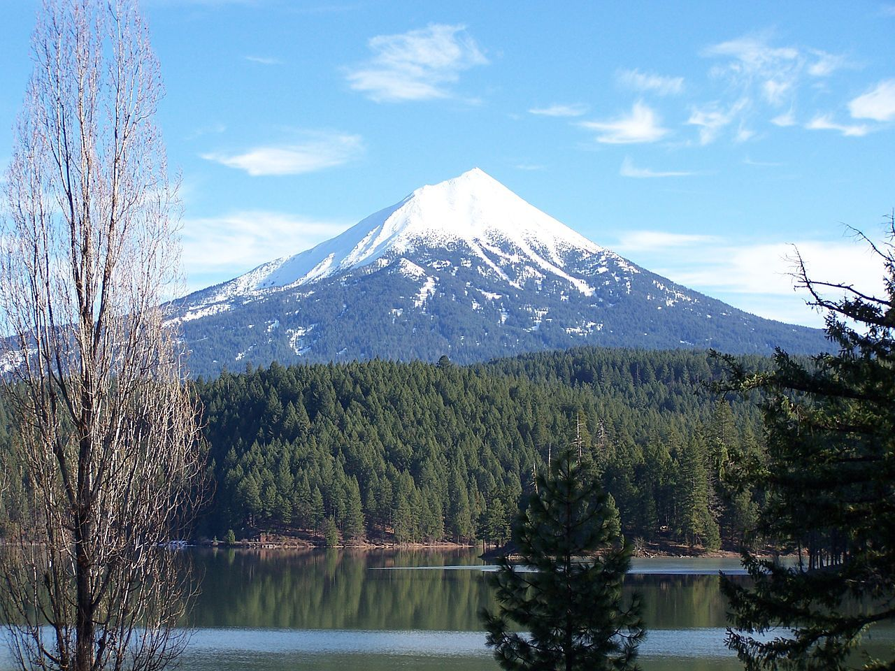 Mount McLoughlin from across Willow Lake Oregon
