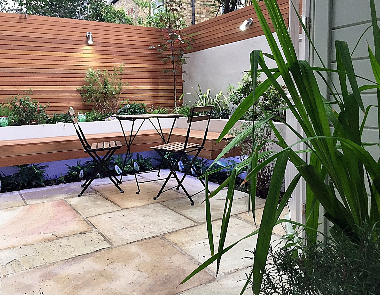 Low Maintenance Privacy Screen Paving Tile Trellis Planting