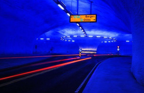 rotonda dentro de un tunel