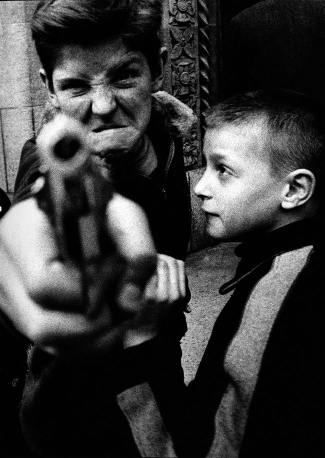 """""""You talkin' to me?""""                   William Klein, New York 1955"""