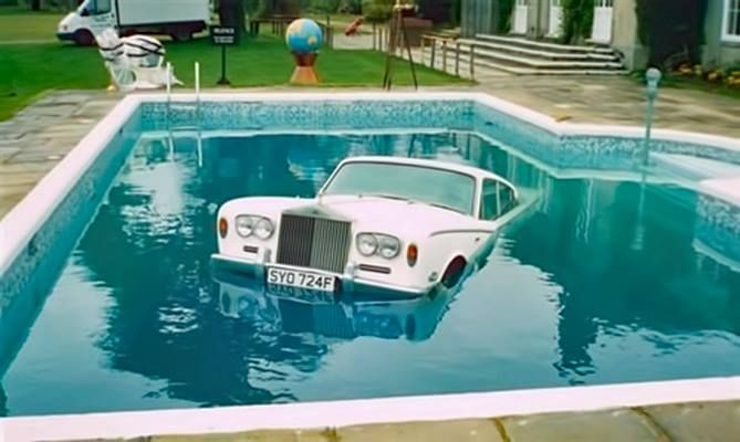 Aug 1967 keith moon drove his rolls royce into a hotel - Keith moon rolls royce swimming pool ...