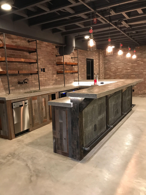Industrial basement bar  Conceptions de bar de sous sol, Finition de sous sol et Plancher sous-sol