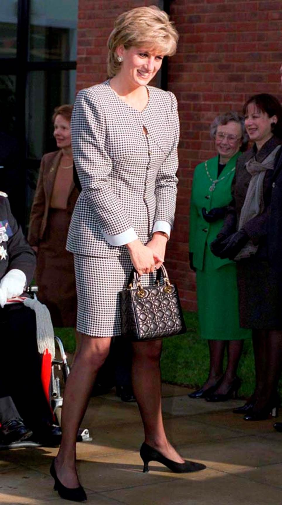 The Best Princess Diana Outfits You Ve Never Seen Princess Diana Fashion Diana Princess Diana