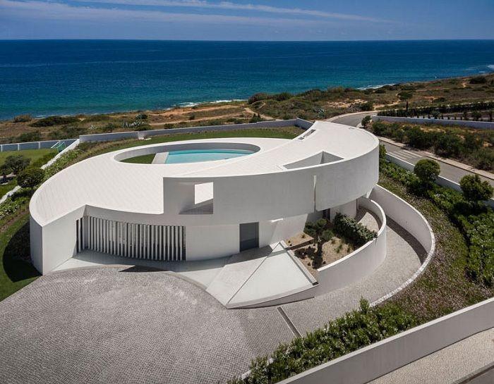 Casa Eliptica - проект архитектора Mario Martins.