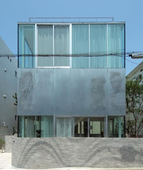 Separate Garage Block Possibly With Studio Accommodation: Kazuyo Sejima . Villa . Hayama Plataforma Arquitectura