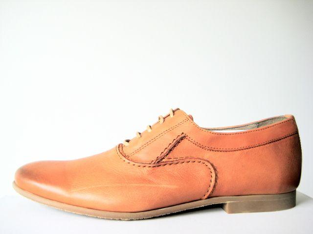 Cast Oxford shoe - tan