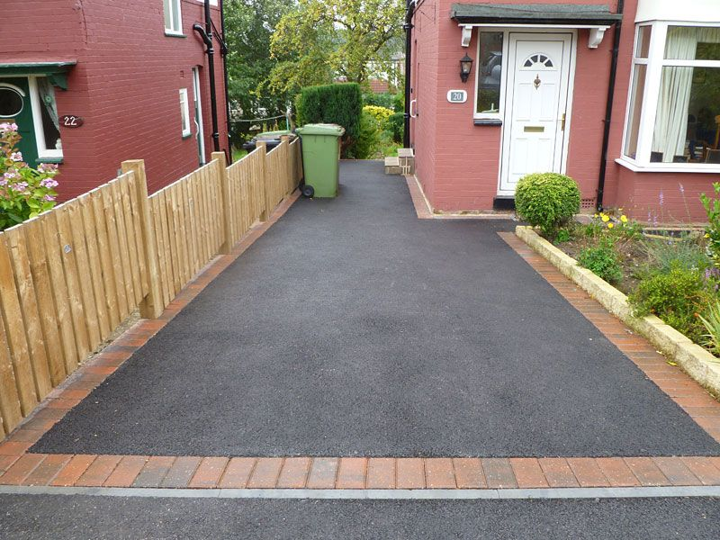 Tarmac drive with Brindle block paved border | Landscape ...