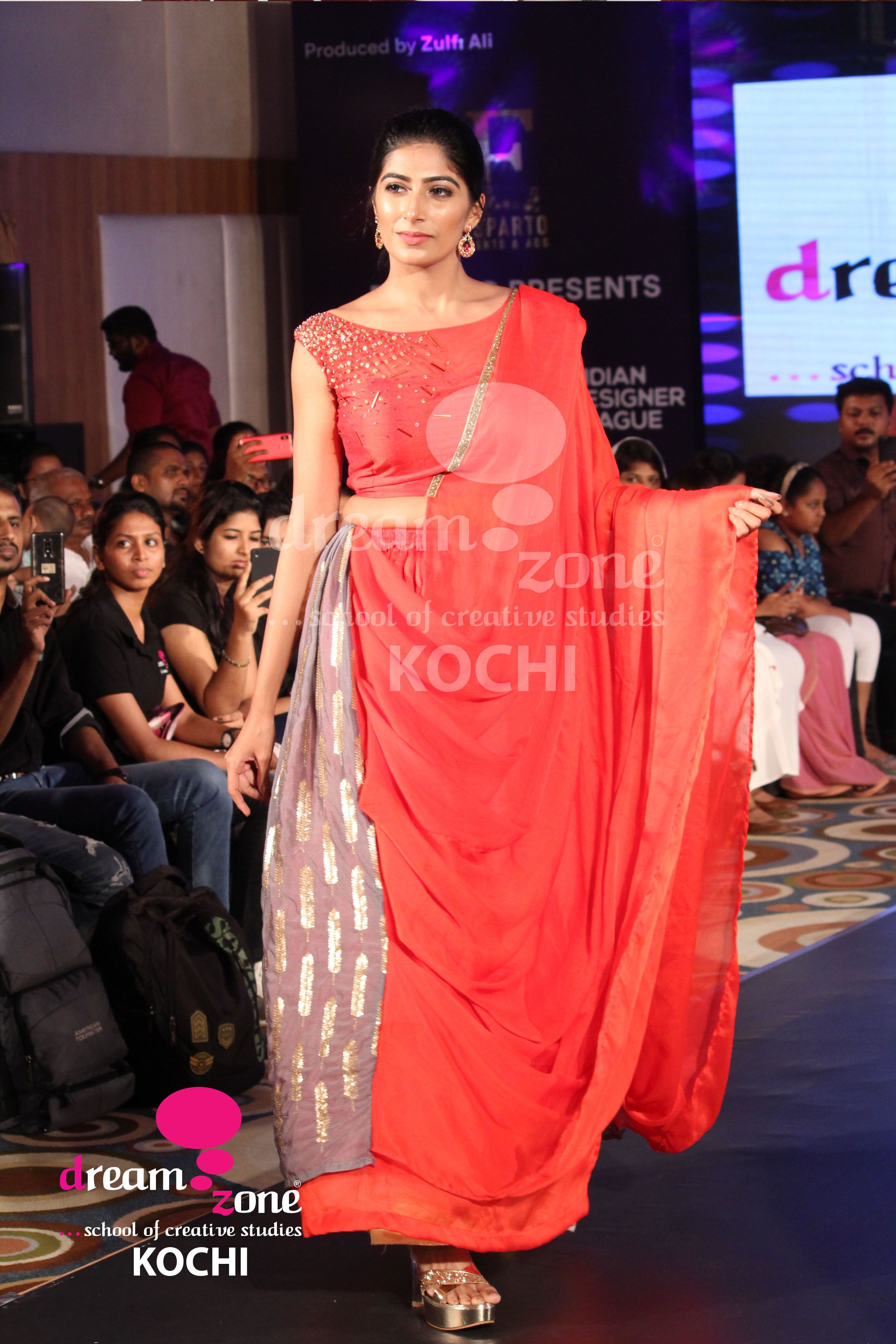 Dreamzone S School Of Fashion Design Engages Students In The Creative Science Of Aligning With C With Images Fashion Designing Course Fashion Design Graphic Design Course