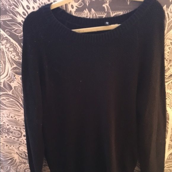 Black sweater Plain black sweater that is great for spring. It's cute and comfy. H&M Sweaters Crew & Scoop Necks