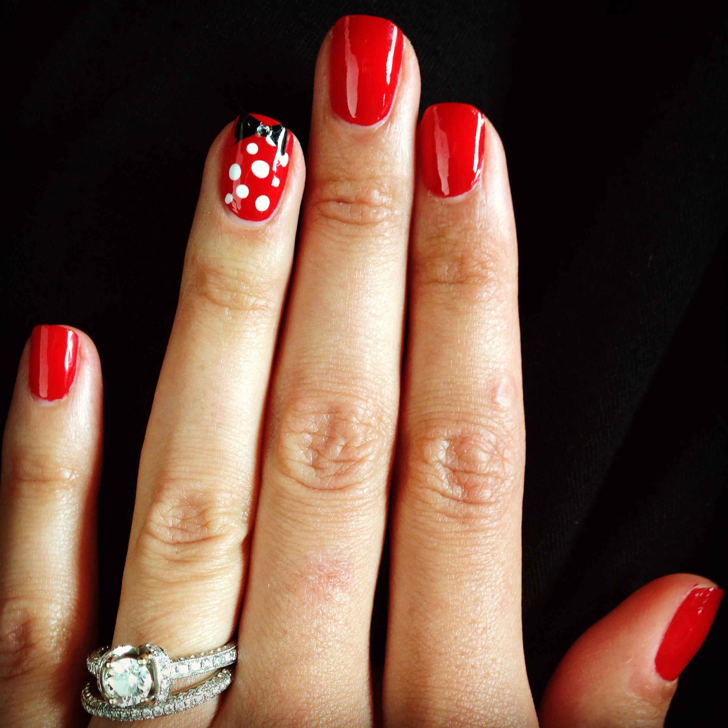 Simple Minnie Mouse Nails