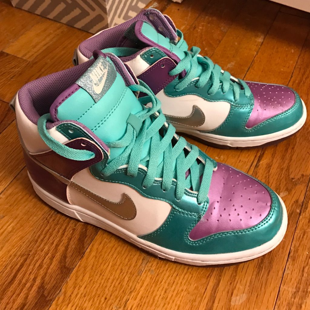 Nike dunks, White nike shoes, Nike high