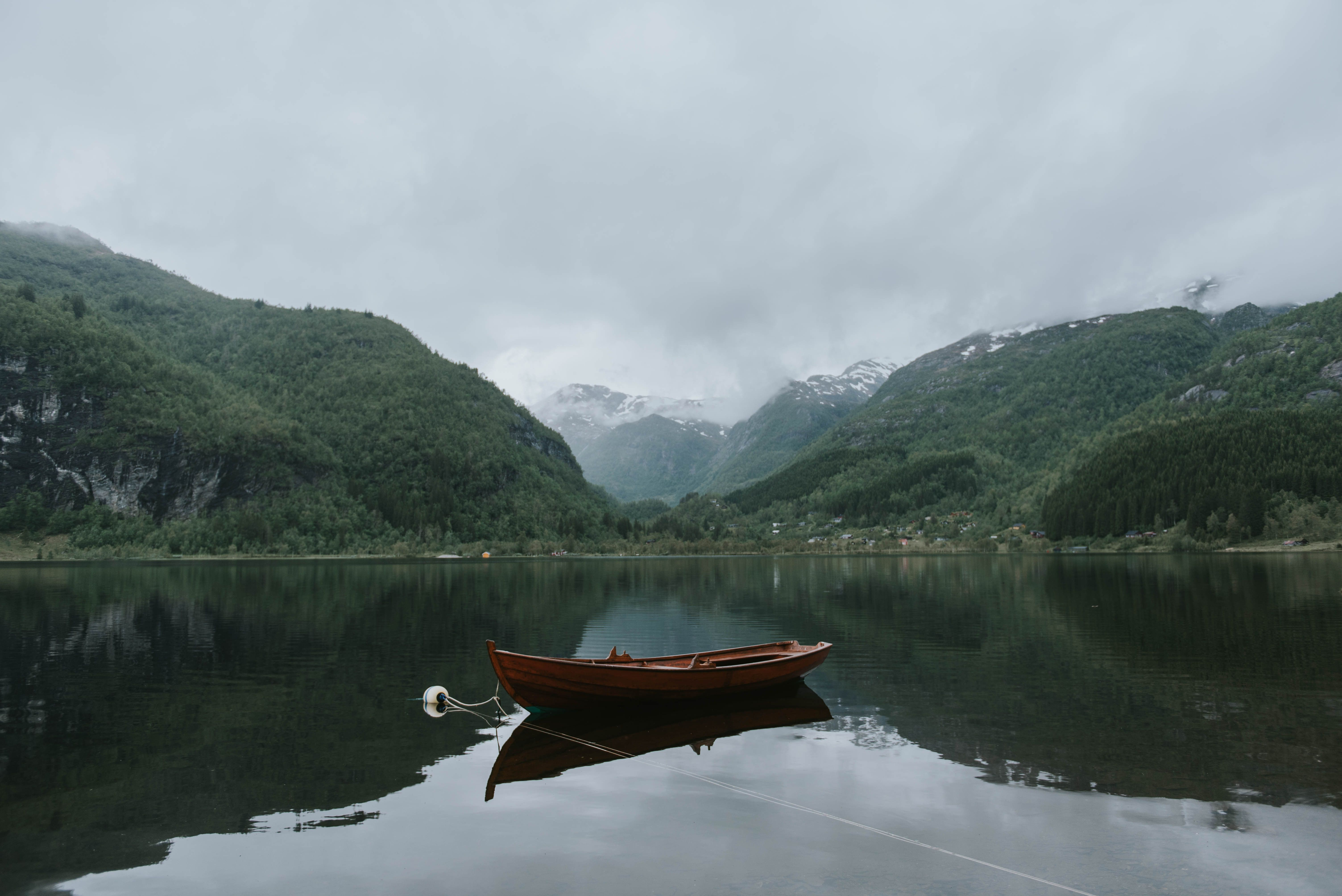 Free Photos Boat Mountain Canoe Norway Scenic Lakes National Parks Lake Photos