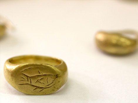 Gold ring from Tel Megiddo (Armageddon), 1100 BC