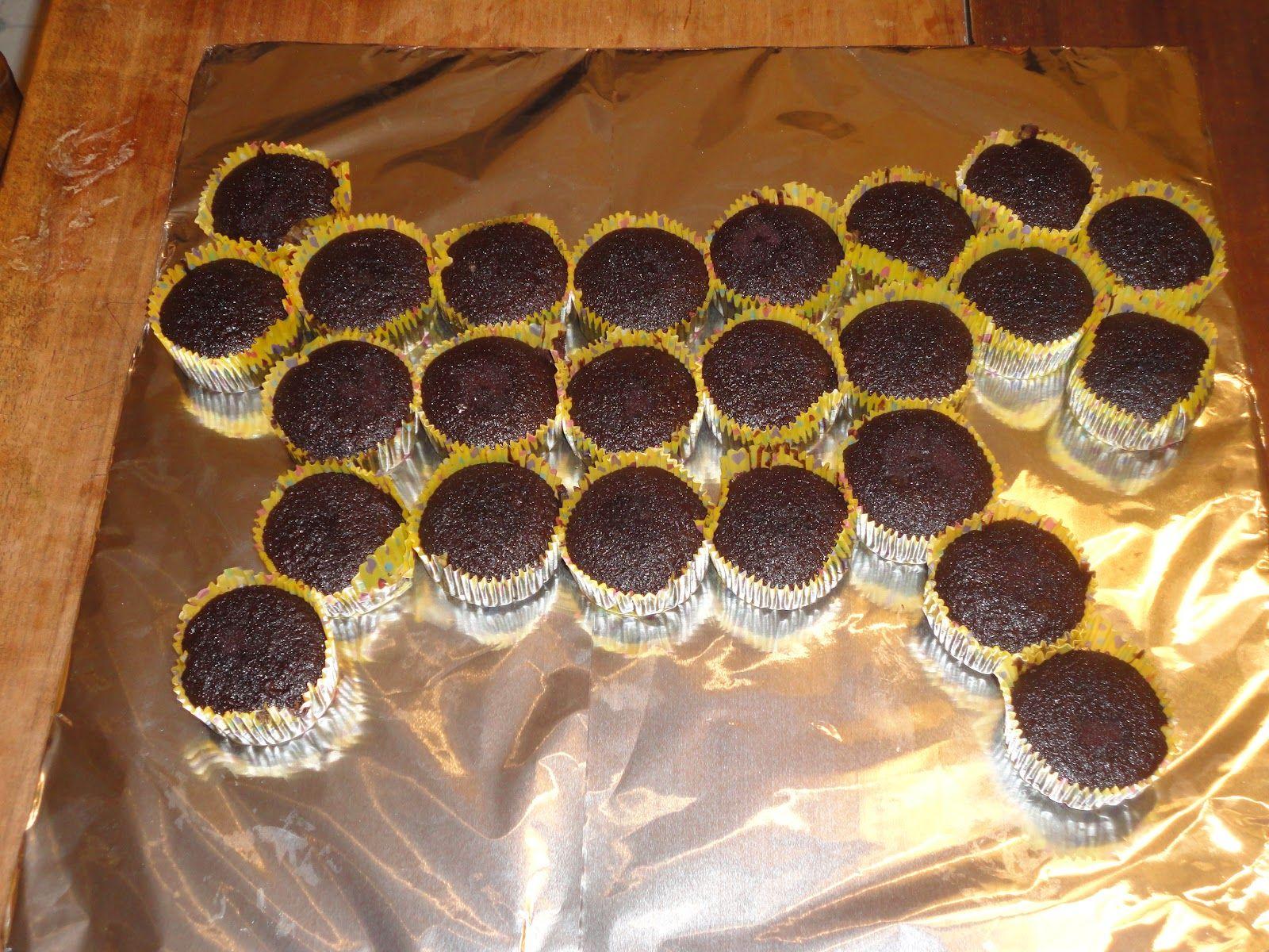 Hosre cupcake ideas Love4Home Pullapart Horse Cupcake Cake