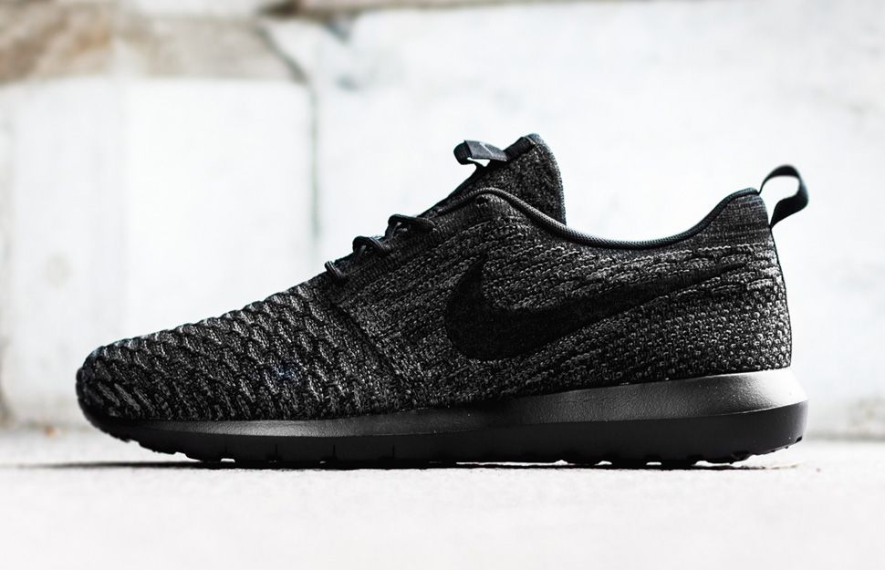 nike flyknit roshe run black\/black-anthracite-gum light brown