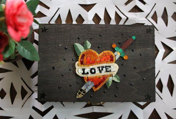 Love / old school / scatola con mosaico di Musemosaicojewels