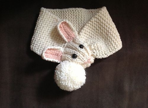 Photo of Children's bunny scarf pattern by Linda Castles #castles