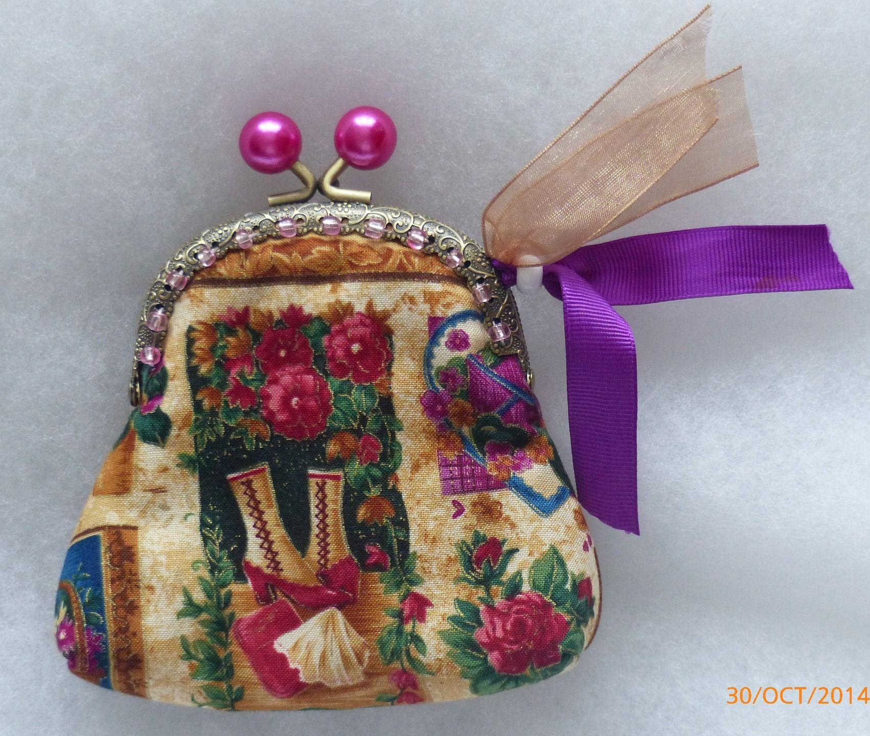 Porte monnaie bottines et fleurs - fermoir bronze boules fuchsia : Porte-monnaie, portefeuilles par crisylcreations