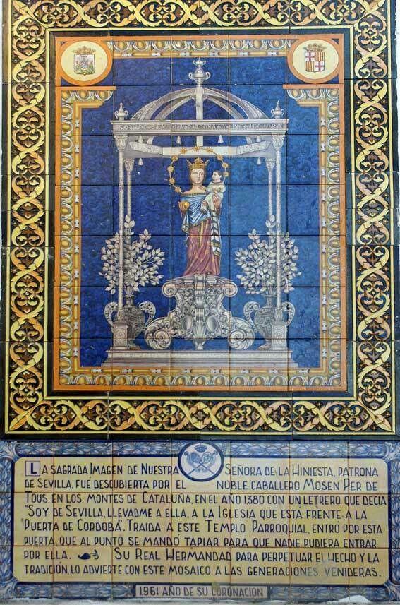 Sevilla. Azulejos conmemorativo en la Iglesia de San Julián.