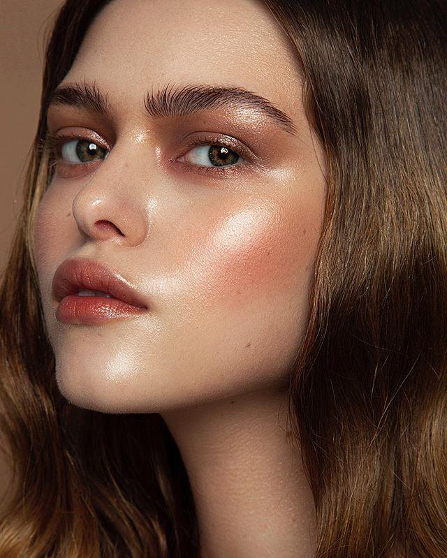 "Денис Карташев on Instagram: ""My collection of makeup for @muaclub 🎨❤️ photo @viktorkislyy , hair @kostina_makeup , model  @_fnsv , makeup assistant @vorobyshek_makeup .…"""